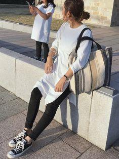 Lilas Campbellのトートバッグ「Lilas Campbell/別注スクエアトートBAG」を使ったyanのコーディネートです。WEARはモデル・俳優・ショップスタッフなどの着こなしをチェックできるファッションコーディネートサイトです。
