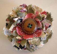 Creative Chatter: New Direction…Making Shabby Fabric Flower Brooches! Creative Chatter: New Direction…Making Shabby Fabric Flower Brooches! Fabric Flower Pins, Making Fabric Flowers, Fabric Flower Brooch, Fabric Flower Tutorial, Flower Making, Rolled Fabric Flowers, Shabby Flowers, Cloth Flowers, Burlap Flowers