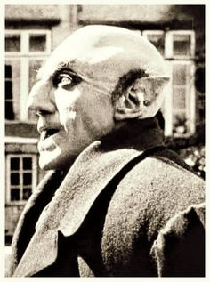 A rarely-seen close-up of Max Schreck in makeup of NOSFERATU Nose, ear tips, bald cap and fingertip prosthetics. Classic Monster Movies, Classic Horror Movies, Classic Monsters, Horror Monsters, Scary Monsters, Famous Monsters, Max Schreck, Silent Horror, Silent Film