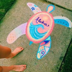 Check out these 15 Creative Chalk Ideas for Kids for you and your child to get creative outdoors. Check out these sidewalk chalk art ideas! Chalk Design, Sidewalk Chalk Art, Sidewalk Chalk Pictures, Summer Aesthetic, Aesthetic Girl, Art Inspo, Cute Pictures, Beautiful Pictures, Art Projects