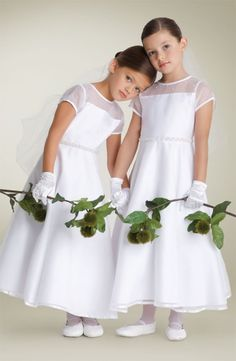 Little Colony Kids - Girls - First Communion Dresses Girls First Communion Dresses, First Communion Party, Holy Communion Dresses, Flower Girls, Flower Girl Dresses, Catholic Communion, Communion Hairstyles, All White Wedding, Baby Girl Fashion