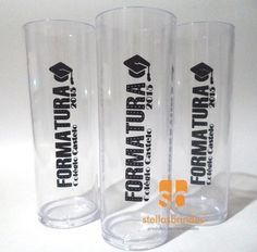 COPO DE ACRÍLICO PERSONALIZADO - LONG DRINK <br> <br>Ref.: Long drink <br>Descrição: Copo fabricado em acrílico resistente com capacidade de 300 ml <br>Opções de cor: Temos 18 cores <br>Impressão: Serigrafia (uma cor, um lado) <br>Acima de 50 unidades - R$ 2,90 (und) <br>Acima de 100 unidades - R$ 1,99 (und) <br>Acima de 500 unidades - R$ 1,89 (und) <br>Acima de 1.000 unidades - R$ 1,79 (und) <br>Acima de 5.000 unidades - R$ 1,69 (und) <br>Obs.: Para impressão no verso, há adicional de R$…