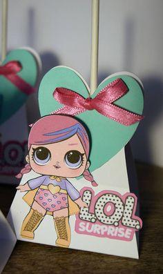 JAJAJA sorpresa muñeca caja Lollipop Party Favor / jajaja 6th Birthday Parties, Birthday Favors, Diy Birthday, Party Favors, Candy Bar Party, Doll Party, Festa Party, Lol Dolls, Craft Box