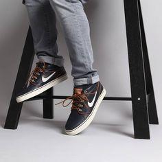 Nike SB Janoski Mid Inuit Dark Obsidian https://www.popname.cz/cze/produkt.html/nike-sb/footwear/boty-nike-sb-zoom-stefan-janoski-mid-pr-skateboarding-shoe-inuit-dark-obsidian-birch-light-british-tan