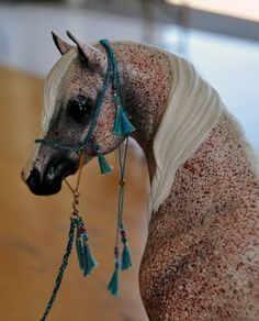 Beautiful Model Arabian Horse with Native Arabian tack - looks sooooo real!