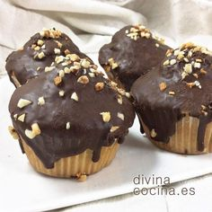 Magdalenas de vainilla bañadas en chocolate Brownie Cookies, Chocolate Cookies, Brownie Recipes, Dessert Recipes, Desserts, Just Eat It, Cupcakes, Crepes, Muffins
