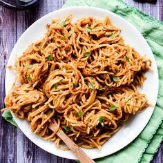Creamy Sundried Tomato and Avocado Pesto I used spaghetti squash. Avocado Pesto Pasta, Sundried Tomato Pesto, Tomato Basil, Vegetarian Recipes, Cooking Recipes, Healthy Recipes, Healthy Food, Cooking Ideas, Free Recipes