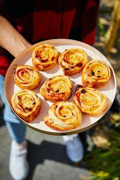 Naan, Croissant, Ravioli, Feta, Sweet Treats, Dessert Recipes, Cooking, Ethnic Recipes, Cakes