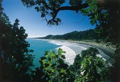 Whakatane sits in the spectacular Eastern Bay of Plenty of New Zealand, right beside the Pacific Ocean. The Beautiful Country, Beautiful Places, Beautiful Pictures, Nelson New Zealand, Island Tour, New Zealand Travel, Beach Town, South Island, The Great Outdoors
