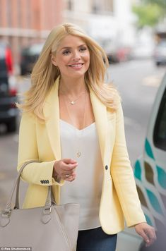 Holly Willoughby couldn't wait to reunite with Phillip Schofield Classy Outfits, Casual Outfits, Fashion Outfits, Modern Outfits, Holly Willoughby Style, Yellow Clothes, Barbour Jacket, Work Wardrobe, Business Attire