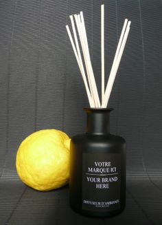 #2 bottle in black. Parfum&Projet, Tailor made perfume and perfumed products.