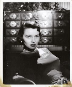 Portrait of Patricia Neal by Bert Six. Old Hollywood Movies, Hollywood Actresses, Actors & Actresses, Classic Hollywood, Female Body Photography, Patricia Neal, Best Actress Oscar, Greek Tragedy