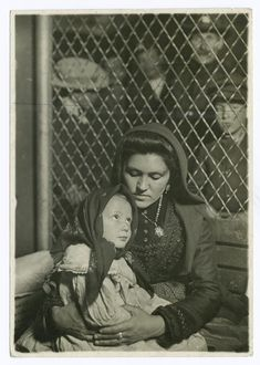 Mother and Child from Northern Italy, Ellis Island 1905; NYPL Digital Gallery