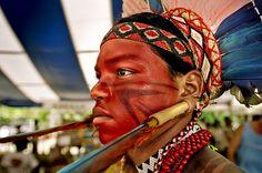 Brazil | Pataxó warrior.  © Tatiana Cardeal.
