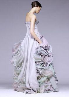 fashion over reason: Mesmerizing couture Amazing....