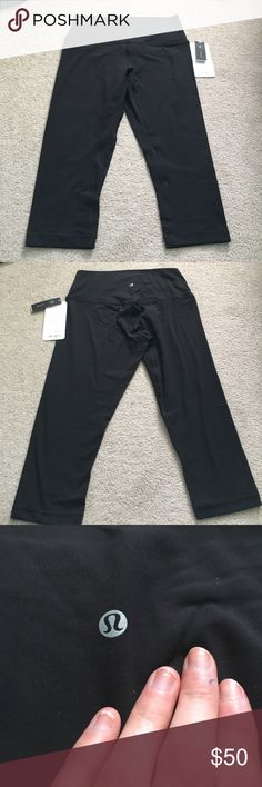 Lululemon Align Crop Black Align crop. NWT. No flaws. High rise. About 20 inch inseam. lululemon athletica Pants Leggings