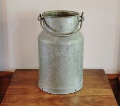 Heavy Galvanized Zinc Milk Can with Handle, 16 Inch Rustic Industrial Metal Cream Can, Primitive Farmhouse Storage Container, Porch Decor Vintage Metal, Unique Vintage, Etsy Vintage, Vintage Home Decor, Rustic Decor, Easy Decorations, Milk Cans, Industrial Metal, Modern Country