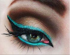 Creative eye liner IRL