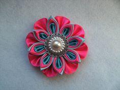 Barrette/pince à cheveux/hair clip/kanzashi flower/satin ribbon de la boutique bricoartKAM sur Etsy