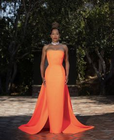 Regina King, Celebrity Red Carpet, Celebrity Dresses, Celebrity Style, Celebrity Pics, King Dress, Nice Dresses, Formal Dresses, Designers Guild