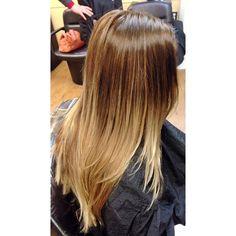 #ombre #hair #browntoblonde #redken #redkenready #flashlift #olaplex #samvilla @samvillahair #krissorbie @krissorbie #modersalon #behindthechair @guy_tang #hairstyle #haircolor