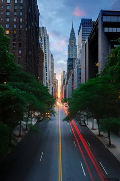 New York City, Chrysler Building 42nd Street, Modern Metropolis, Chrysler Building, City Streets, Wanderlust Travel, New York City, Cool Photos, Beautiful Places, Places To Visit