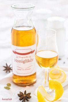 Rezept für Honig Likör oder Bärenfang. Ein tolles Geschenk zu Weihnachten. Eignet sich auch zum Backen! #honig #likör