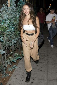 @labrunef Madison Beer Body, Madison Beer Style, Madison Beer Outfits, Maddison Beer, Batgirl, Female Models, Street Styles, Fashion Outfits, Fashion Trends