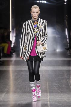 9b9d4f64 VERSACE FALL WINTER 2019 Versace Home, Mens Fashion, Fashion Outfits,  Preppy, Her