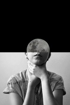 Face Moon me Photography Portrait Art Black and White BW BN Bianco e Nero Fotografia Ritratto di signora Contemporary Surrealism