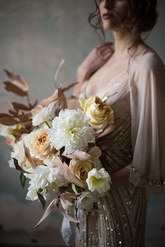 Moody and timeless wedding inspiration by Sweet Root Village (Photography, florals and styling) - via Magnolia Rouge