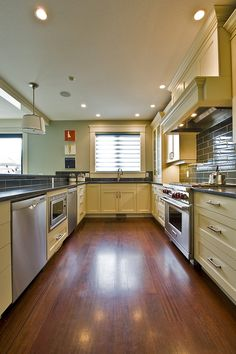 Kitchen - contemporary -