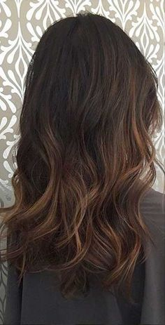 37 Long Haircuts With Layers For Every Type Of Texture ...