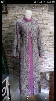 ibu umy Kebaya Muslim, Muslim Dress, Hijab Dress, Abaya Fashion, Fashion Pants, Fashion Dresses, Mom Dress, Lace Dress, Model Dress Kebaya