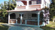 4 βράδια 320 ευρώ Ξενοδοχείο διαμερισμάτων Banana Place , Ζαχάρω, Ελλάδα! Places, Outdoor Decor, House, Home Decor, Decoration Home, Home, Room Decor, Home Interior Design, Homes