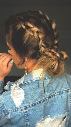 10 Effortless Hairstyles You Can Rock When You're In A Rush - Frisuren femme Cute Hairstyles For Teens, Daily Hairstyles, Easy Hairstyles For Long Hair, Wedding Hairstyles, Heat Free Hairstyles, Hairstyle Ideas, Teen School Hairstyles, Anime Hairstyles, Stylish Hairstyles