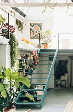 Home Decor – Entryway : small ceramic studio Hear Hear. / sfgirlbybay -Read More – Design Apartment, Studio Apartment Decorating, Dream Apartment, Apartment Layout, Apartment Interior, Exterior Design, Interior And Exterior, Studio Decor, Studio Home