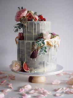 Featured Cake: cordyscakes from www.instagram.com/cordyscakes/; Wedding cake idea.