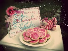 Sweet Boutique: Down the rabbit hole we go... (Alice in Wonderland Party)