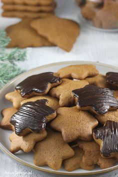 Pierniczki świąteczne.  Gingerbread Christmas cookies. Christmas Baking, Christmas Cookies, Biscotti, Gingerbread Cookies, Cookie Recipes, Food And Drink, Sweets, Fruit, Vegetables