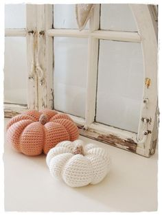Crochet pumpkin - non-English tutorial. But a similar pattern is available here http://arminas-aminals.blogspot.com/2009/09/crocheted-pumpkin-pincushion.html