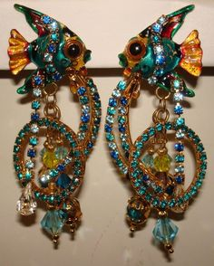 VINTAGE-RARE-SIGNED-LUNCH AT THE RITZ-FISH-DANGLE-CLIP-RHINESTONE-EARRINGS