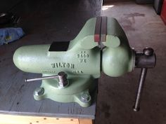 Marlon from Louisiana did a great job on this early 40's Wilton 9400, 4 inch jaws.  He installed my jaws and sent me a picture. Sure like his paint choice.