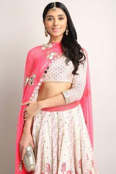 Shop The Look - Pernia Qureshi Indian Fashion Dresses, Ethnic Fashion, Asian Fashion, Indian Outfits, Fashion Outfits, Indian Fashion Designers, Indian Designer Wear, Indian Attire, Indian Ethnic Wear