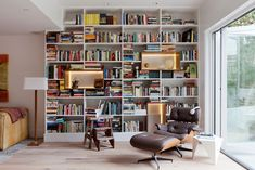 This room proves that it's simply cool to put books on shelves again. Sure, there are some artistic vessels in the mix, but this midcentury library moment is all about a curated collection of...