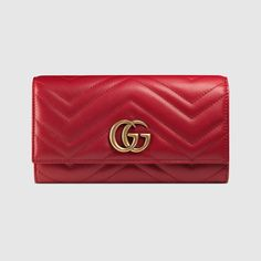 Shop the GG Marmont continental wallet by Gucci. A GG Marmont continental wallet made in matelassé leather with a chevron design and GG on the back. Gucci Marmont, Gg Marmont, Puma Herren Sneaker, Dior, Gucci Gucci, Gucci Bags, Gucci Purses, Louis Vuitton, Purses