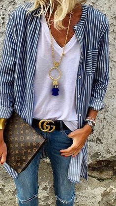 Casual outfit -striped shirt in navy and white always looks fantastic. Striped Long Sleeve Shirt, Long Sleeve Shirts, Striped Shirts, Striped Blouses, Blue Striped Shirt Outfit, White Shirts, Shirt Sleeves, Mode Statements, Bluse Outfit