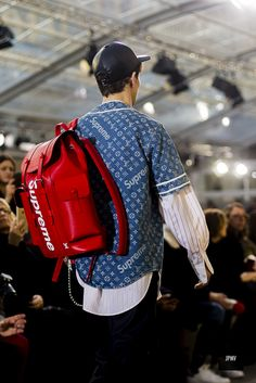 Louis Vuitton x Supreme Fall Winter 2017 - Paris - J'ai Perdu Ma Veste