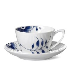 Designed in 2000 by Karen Kjældgård-Larsen, the Blue Fluted Mega dinnerware places an emphasis on the Blue Fluted Plain pattern by featuring selected details from the historical pattern. Hand painted.