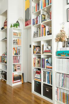 A Designer's Romantic & Worldly NYC Apartment - expedit/kallax Kallax, Ikea Expedit, Bookshelves Built In, Bookshelf Wall, Bookcases, New York Apartments, Gravity Home, Apartment Living, Apartment Therapy